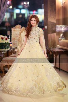 Irfan-Ahson-Pakistani-Wedding-Bridal-Outfit-222
