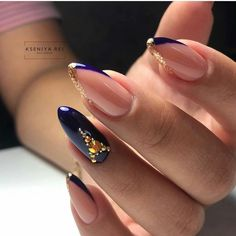 36 gorgeous acrylic almond nails with your holiday in 2020 43 Perfect Nails, Gorgeous Nails, Pretty Nails, Latest Nail Designs, Nail Art Designs, Get Nails, Hair And Nails, Holiday Nails, Christmas Nails