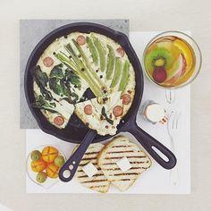 . goooooooood morning saturday :-D))) . #goodmorning #morning #breakfast #yummy #goodfood #instafood #onthetable  #homemade #foodie #foodstagram #igfood #foodphotography #foodphoto #yum #2eat2gether #MyChefsTable #S_S_iloveBreakfast #朝食 #早餐 #goodmorning #早安 #おはようございます #baking #cooking #烘培 #frittata #eggwhitefrittata #烘蛋 #義式烘蛋 #フリタータ #白韭菜豌豆蛋白義式烘蛋