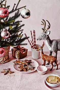 Keltainen talo rannalla: Sisustuksia ja joulua