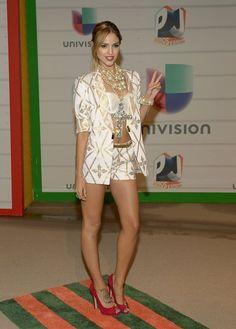 Eliza Gonzalez en #Premiosjuventud