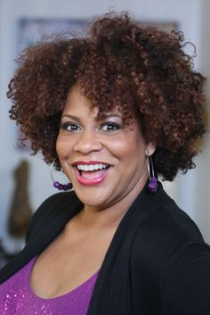 """Kim Coles shows off her fabulous hairstyle at the """"Welcome to Houston-Kim Coles Celebrates You"""" mixer in Houston, TX."""