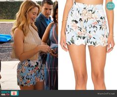 Petra's blue floral shorts on Jane the Virgin.  Outfit Details: https://wornontv.net/67901/ #JanetheVirgin