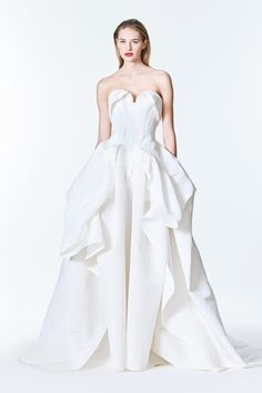 See the complete Carolina Herrera Bridal Fall 2017 collection.