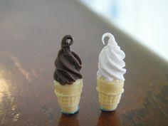 Chocolate & Vanilla Ice Cream Cones (pair)