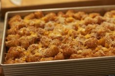 27 Tater Tot Recipes That Will Change Your Life - tator tot Mac and cheese Tater Tot Recipes, Casserole Recipes, Potato Recipes, Tater Tot Casserole, Tater Tots, Vegan Recipes, Cooking Recipes, Cheese Recipes, Cooking Ideas