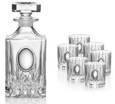 Komplet karafka z kieliszkami wykonana z ręcznie tłoczonego szkła ze srebrnym emblematem, stanowi doskonały prezent na dla szefa. #urodziny #rocznica #na_nowe_mieszkanie