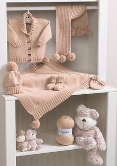 Chaqueta, Manta, bufanda, gorro, guantes y botines en Stylecraft Wondersoft DK - 8295 - Mantas - Proyecto - Patrones