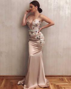 Malo za promenu duga haljina ✨  @andjelika_1  Haljina je limitirana✨ #limitededition #long #dress #handmade #satin #lace #glam #glamour… Long Bridesmaid Dresses, Bridal Dresses, Formal Dresses, Wedding Gowns With Sleeves, Dream Wedding Dresses, Lace Dress, Glamour, Beauty, Women