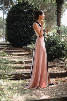 Look invitada de noche: rayas que estilizan | Invitada Perfecta Diy Clothes, Elegant, Formal Dresses, Fashion, Stylish Dresses, Daytime Wedding, Stripes, Lace, Diy Clothing