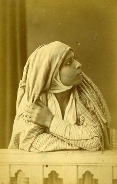Algeria Portrait of Young Arab Woman Old Photo Cabinet Card Famin 1880 | enregistré par adel Hafsi top photo