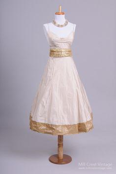 1980's Silk Taffeta Tea Length Vintage Party/Wedding Dress : Mill Crest Vintage