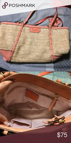 ❗️SALE❗️Coach Straw and Coral bag. Authentic used Coach bag. Some wear on the bottom of both corners as shown in the pictures. Coach Bags Shoulder Bags