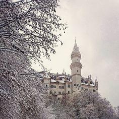 #Schloss #Neuschwanstein #Allgäu #Himmel #heaven #Schnee #snow #mystisch #royal #magisch #Romantik #wildromantisch #LudwigII #ic_skies #ic_landscapes #webstagram #webstapic #travelove #travelover #travel #inlove