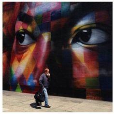 Kobra colorindo os muros mundo a fora finaliza mais um trampo em Los Angeles. Dessa vez o grafiteiro Eduardo Kobra retratou em um painel gigante três ganhadores de Prêmios Nobel da Paz: Madre Tereza, Martin Luther King e Nelson Mandela.…