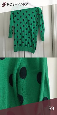 Old navy sweater Old navy polka dot sweater. Kelly green with navy polka dots. Size Small/tall. Under the arm pit area there is some small signs of wear photo above. Old Navy Sweaters Crew & Scoop Necks