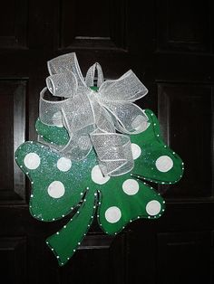 Lucky 4 leaf clover shamrock St Patrick's Day by merrymerchant, $18.00..be easy to make!