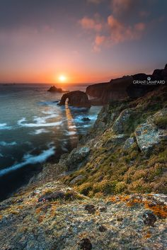 https://flic.kr/p/uX9XNT   Enys Dodnan Arch   Land's End, Cornwall - UK www.grantlampardphotography.com  Canon 5D3 @ 17mm ISO 50 - f/22  - 8secs Lee 0.3 HG + Hi-tec 0.9 RG Heliopan 105mm Cir Pol  I've only been here once before a few years ago but there was a cloud bank so I was a little disappointed, I still got some nice shots though. I've been meaning to come back but it's a long way and the weather can change very quickly down here.  I nearly came yesterday but heavy mist put a stop to…
