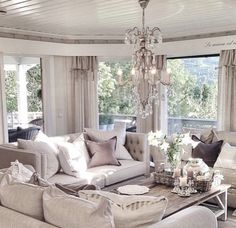 Beautiful Living Room Decorating themes