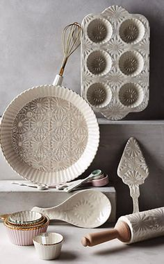 Raised Bloom Pie Pan #anthrofave