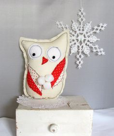 Do it yourself ! Adorable little owl christmas stocking stuffer or teacher gift! Comes with easy to follow instructions and photographs!    https://www.etsy.com/listing/112721272/easy-diy-folk-art-winter-owl-christmas