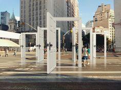 As portas da cidade #art #arty #arte #intervencao #concepts #conceptualart #contemporaryart #artopia #doors #street #streetart #cretive #instagood #pensive #f4f #igers #photoofday #photography #artgallery #gallery #museum #museu #galeria #photoofday #artmuseum #spwalking