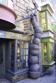 Cauldron Alley, Diagon Alley at Universal Studios Harry Potter, Orlando