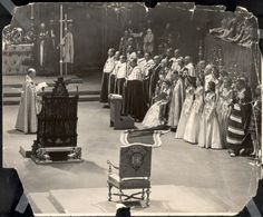 The swearing in of Queen Elizabeth. Very important moment for her highness Queen Elizabeth II. Adele, Queen's Coronation, Study In London, England, House Of Windsor, Band Of Brothers, Save The Queen, British Monarchy, Queen Elizabeth Ii