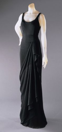 Elsa Schiaparelli 1931. I would so wear this today. Timeless fashion.