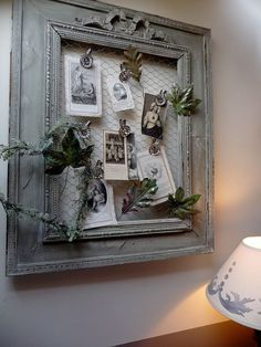 DIY Beautiful Memo Board with an Old Frame and Chicken Wire Old Picture Frames, Old Frames, Vintage Frames, Frames Ideas, Vintage Cameras, Wall Ideas, Vintage Photos, Chicken Wire Frame, Photo Displays