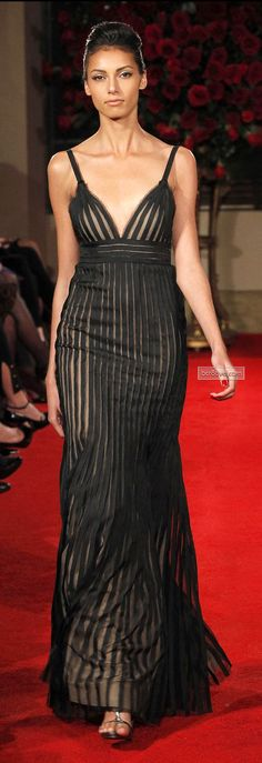 Alberta Ferretti Pre-Fall 2013 Fashion Show Mega Fashion, Fashion Week, Fashion Show, Fashion Design, Paris Fashion, Runway Fashion, Fashion Art, Beautiful Gowns, Beautiful Outfits