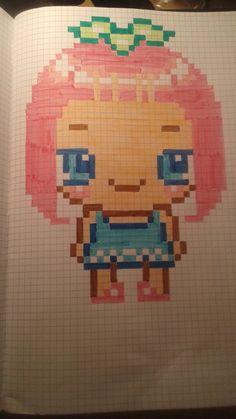 petite fille aux cheveux rose