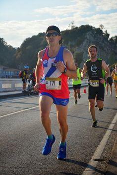 10 Km Ribadesella 2014 (llegando a meta) Running, Sports, Hobbies, Goals, Life, Hs Sports, Keep Running, Why I Run, Sport