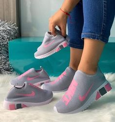 Mommy daughter Nike's for Sale in Fort Wayne, IN - OfferUp Puma Shoes Women, All Nike Shoes, Nike Shoes Air Force, Hype Shoes, Sports Shoes, Women's Shoes, Women Nike, Cute Sneakers, Casual Sneakers