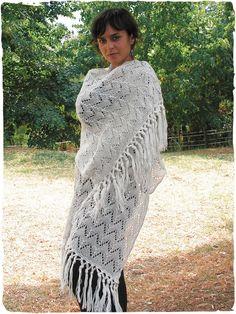 Scialle Pia #scialle rettangolare in maglia di #lana #alpaca molto #morbida  #modaetnica #ethnicalfashion #alpacaswhool #lanadialpaca #peruvianfashion #peru #lamamita #moda #fashion #italianfashion #style #italianstyle #modaitaliana #lamamitafashion #moda2016 #fashion2016 #winter #winterfashion #dress #wintersales #sales #shawl