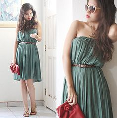 adore this dress, but with modest sleeves <3