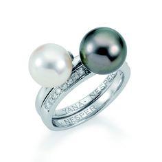 Wunderschöne Kombination! 2 Vorsteckringe. Die Perlen schwarz und weiß, wie Tage und Nächte...