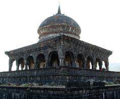 Khokari tombs