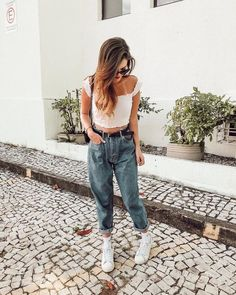 15 Poses para recuperar tu confianza si eres insegura Cool Instagram, Instagram Pose, Casual Outfits, Cute Outfits, Fashion Outfits, Clueless Outfits, Warm Weather Outfits, Foto Pose, Girl Photography Poses