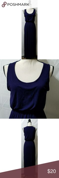 """Forever 21 Purple Sleeveless Knit Maxi Dress Junior's Forever 21 purple knit maxi dress, size medium. It is sleeveless and there is a slit on each side. It is in excellent used condition with no stains, tears, rips or holes that I can see.  96% viscose/4% spandex   Chest: 36"""" Armpit to armpit: 18"""" Length (shoulder to hem): 53"""" Length (armpit to hem): 43.5""""  All items come from a smoke and pet free home. Forever 21 Dresses Maxi"""