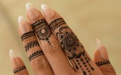 How I Successfuly Organized My Very Personal Easy Celtic Tattoo Designs For Henna Pretty Henna Designs, Latest Henna Designs, Finger Henna Designs, Mehndi Designs For Beginners, Henna Designs Easy, Mehndi Designs For Fingers, Finger Mehndi Style, Henna For Beginners, Arte Mehndi