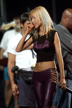 - Christina Aguilera rehearsing for Tiger Jam III, July 2000 - 11 of 13 - Hotflick Image Upload Early 2000s Fashion, 90s Fashion, Fashion Outfits, Nelly Furtado, Christina Aguilera, Lady Gaga, Beyonce, Halloween Disfraces, Hot Outfits
