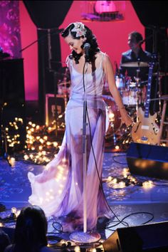 Katy Perry performs on 'MTV Unplugged. Katy Perry Live, Pretty People, Beautiful People, Katy Perry Pictures, Mtv Unplugged, Princess Kate Middleton, Femmes Les Plus Sexy, Teenage Dream, Celebs
