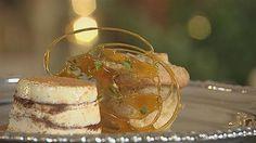 Bagte æblekage med kanelis