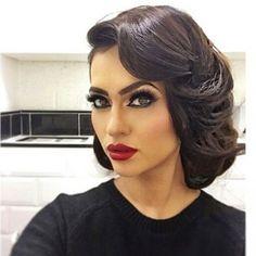 Classic pin up girl Beauty Makeup, Hair Makeup, Hair Beauty, Gorgeous Makeup, Gorgeous Hair, Vintage Hairstyles, Wedding Hairstyles, Natural Hair Styles, Short Hair Styles