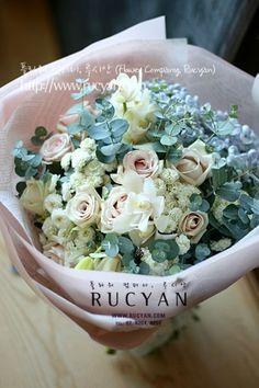 여자친구를위한 꽃선물,꽃다발(Handtied)_플라워 컴퍼니,루시안(RUCYAN) :: 네이버 블로그