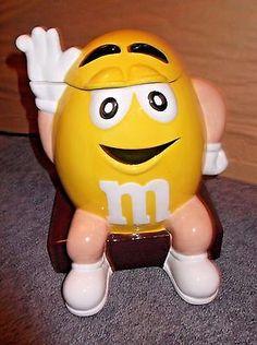 """Yellow Peanut M&M """"Nuts!""""Cookie Jar - MIB #H454"""
