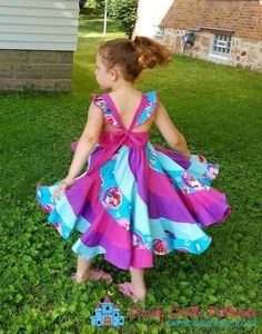 Sewing Projects For Children FREE PDF sewing pattern tutorial Marshmallow Swirl Mash-Up Toddler Dress Patterns, Girl Dress Patterns, Skirt Patterns Sewing, Sewing Patterns For Kids, Coat Patterns, Blouse Patterns, Clothes Patterns, Little Girl Dresses, Girls Dresses