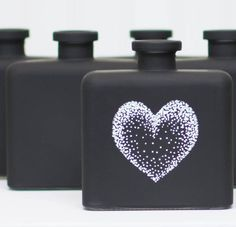 This easy-to-illustrate heart was made using a chalkboard pen…simply dot in a quick silhouette, and stipple the remaining dots to create a beautiful, graphical shading effect. These bottles are ideal for Valentine favors, wedding tables and other holiday décor. Easily hand-washable, they can be used again and again.