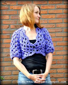 granny square poncho Most up-to-date Snap Shots Granny Squares patroon nederlands Ideas Crochet Grann. Most up-to-date Snap Shots Granny Squares patroon nederlands Ideas Crochet Chrochet, Crochet Granny, Crochet Top, Granny Square Poncho, Granny Squares, Winter Sweaters, Ibiza, Weaving, Knitting